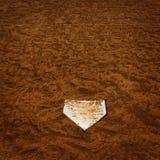 Béisbol Homeplate en la suciedad de Brown por tiempo americano de los deportes último foto de archivo