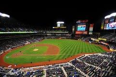 Béisbol Stadiu del campo de la ciudad Fotos de archivo