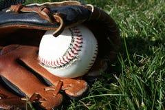 Béisbol y guante Imágenes de archivo libres de regalías
