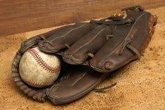 Béisbol y guante Fotografía de archivo libre de regalías