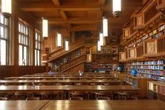 Bélgica, Lovaina - 5 de setembro de 2014: Biblioteca histórica em Lovaina fotos de stock royalty free