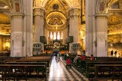 Bérgamo, Italia - 18 de agosto de 2017: Iglesia interior divina de Santa Maria Maggiore Imagen de archivo libre de regalías