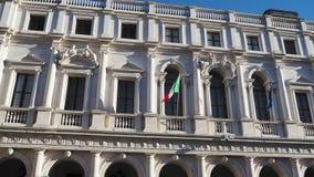 Bérgamo, la ciudad vieja Uno de la ciudad hermosa en Italia Paisaje en la biblioteca pública Angelo Mai metrajes