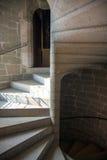 Béton, brique et escalier en spirale en pierre Image stock