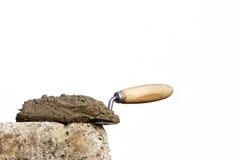 B ton et pelle photo libre de droits image 34481045 - Dosage beton a la pelle ...