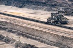Bêcheur de charbonnage de Brown - bras de pression et bande de conveyeur Images stock