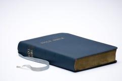 A Bíblia azul fotos de stock
