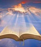A Bíblia divina celestial foto de stock royalty free