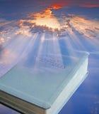 A Bíblia divina celestial imagem de stock royalty free