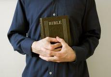 A Bíblia - oração e pregar Fotografia de Stock