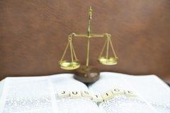 A Bíblia Sagrada é justiça fotografia de stock