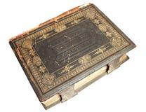 A Bíblia velha no fundo branco isolado imagens de stock royalty free