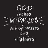 Bóg robi cudom z bałagani i błędy - motywacyjny wycena literowanie, religijny plakat royalty ilustracja
