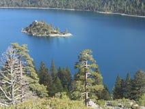 Bóg ` s piękno Jeziorny Tahoe przy szmaragd zatoki kryształem - jasna błękitne wody Fotografia Royalty Free