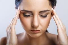 ból Zmęczony Skołowany Zaakcentowany kobiety cierpienie Od Silnego oka P Obrazy Stock