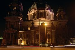 Bóveda de Berlín en la noche fotos de archivo libres de regalías