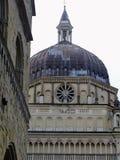 Bóveda de la capilla Colleoni a Bérgamo en Italia fotos de archivo