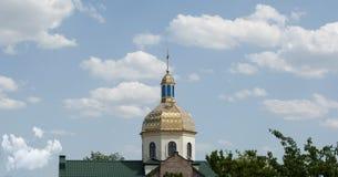 Bóveda de la iglesia con una cruz Foto de archivo