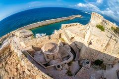 Bóveda de la iglesia del ` s de San Jorge en el castillo de Kyrenia chipre fotos de archivo