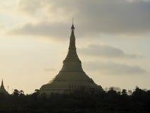 Bóveda de la pagoda en la puesta del sol Imagen de archivo