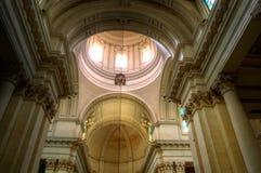 Bóveda de la parroquia foto de archivo
