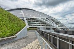Bóveda del estadio nacional con zonas verdes fotografía de archivo