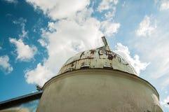 Bóveda del observatorio con el telescopio Foto de archivo libre de regalías