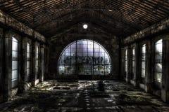 Bóveda eléctrica del vidrio de la fábrica Fotos de archivo libres de regalías
