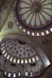 Bóveda principal del fragmento de Sultan Ahmed Mosque foto de archivo