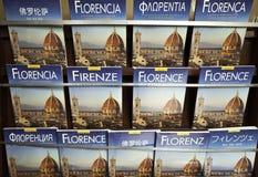 Böcker av Florence i många språk Arkivfoto