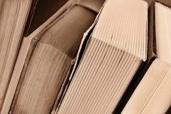 Böcker i sepiasignal Arkivfoton