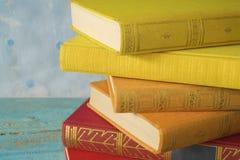 böcker isolerad seriebunt Royaltyfria Foton
