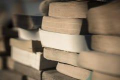 Böcker på stranden 4 Arkivfoto
