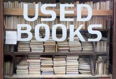 böcker undertecknar använt Royaltyfri Bild