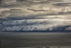Böenwalze über Ozean in Sydney Lizenzfreies Stockfoto