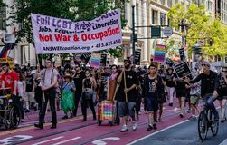 Bög Pride Parade i San Francisco - ANSWERcoalition orggränser Royaltyfria Bilder