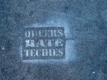 `-Bögar hatar techies`-grafitti på gatan i San Francisco Royaltyfria Bilder