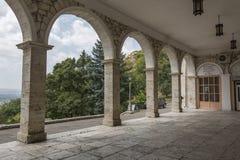 Bögen der akademischen (elisabethanischen) Galerie in Pyatigorsk, Russ Lizenzfreie Stockfotos