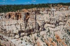 Bögen und Höhlen bei Bryce Canyon Stockfoto