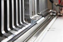 Böjande maskin för stålark Royaltyfria Foton