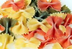 böjer färgrik pasta Royaltyfri Fotografi
