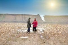 Bönder som skakar händer Fotografering för Bildbyråer