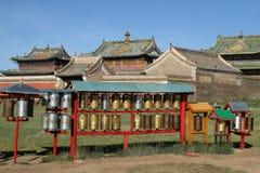 Bönen rullar in den Erdene Zuu kloster Arkivbild