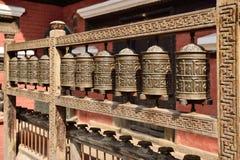 Bönen rullar i Rudravarnaen Mahavihar i patan, nepal Arkivbild