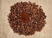 bönor stänger upp kaffe Royaltyfria Bilder