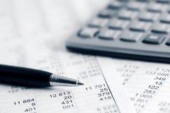 Börse stellt Analyse grafisch dar stockbild