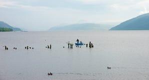 Búsqueda para el lago Ness Monster Imagenes de archivo