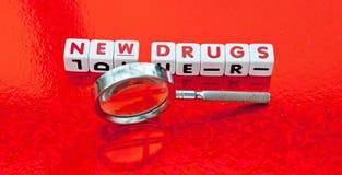 Búsqueda para las nuevas drogas Imagenes de archivo