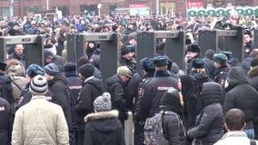 Búsquedas de la policía de los miembros de la oposición marzo almacen de metraje de vídeo