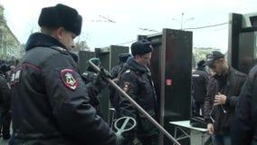 Búsquedas de la policía de los miembros de la oposición marzo almacen de video